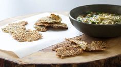 Light and crispy gluten-free crackers. Scoop hummus and salsa or enjoy with a cheese plate. Easy Appetizer Recipes, Snack Recipes, Easy Recipes, Appetizers, How To Cook Quinoa, Cooked Quinoa, Gluten Free Menu, Dairy Free, Epicure Recipes