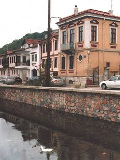 Visit historic buildings and stay in historic hotels Lakeside Village, Greece Hotels, Travel Abroad, Travel Tips, In Ancient Times, Macedonia, Beautiful Landscapes, Europe, Architecture