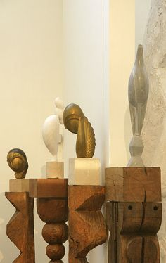 Brancusi has such a subtle handle on the divide between abstract and figural representation Abstract Sculpture, Sculpture Art, Brancusi Sculpture, Foto Magazine, Constantin Brancusi, Contemporary Sculpture, Art Moderne, Stone Carving, Land Art