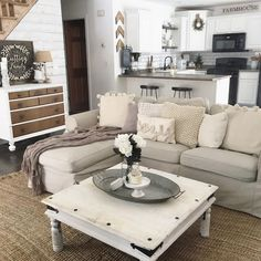 Awesome 99 Cozy Neutral Living Room Decoration Ideas. More at http://99homy.com/2017/12/20/99-cozy-neutral-living-room-decoration-ideas/