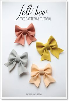 Make large felt bows for pillows or valance ends for girls room.felt bow free pattern and tutorial Diy Hair Bows, Diy Bow, Flower Hair Bows, Handmade Hair Bows, Hair Flowers, Ribbon Flower, Ribbon Hair Bows, Handmade Felt, Fabric Bows