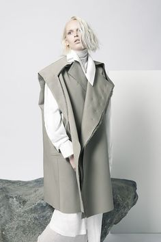 Deconstructed Tailoring - layered jacket, cut, shape, proportionality // Sarah Mok