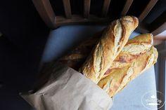 Bageta, ktorú si zamilujete. Kto raz ochutná domácu kváskovú bagetu, už si viac nepôjde kúpiť do obchodu. Čistá chuť, chrumkavá na dotyk aj v ústach... Recipe Images, How To Make Bread, Tasty, Vegan, Balls, Steel, Hampers, Brot, How To Bake Bread