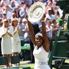 Serena  Williams win her 21st Grand Slam title beating Garbine Muguruza at Wimbledon!