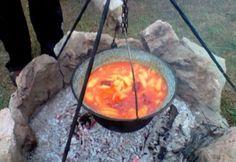 Az év utolsó bográcsos paprikás krumplija Evo, Cooking Recipes, Outdoor Decor, Foods, Home Decor, Drinks, Red Peppers, Food Food, Drinking