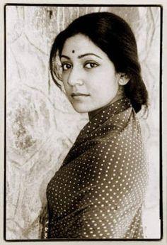 Deepti Naval Indian Face, Indian Star, Beautiful Moments, Beautiful People, Deepti Naval, Film World, Vintage Bollywood, Indian Celebrities, Elegant Woman