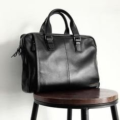 5742e314b41 2018 New Natural Cowskin 100% Genuine Leather Men s Briefcase Fashion Large  Capacity Business bag Black Male Shoulder Laptop Bag