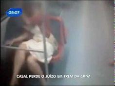 Casal faz sexo no metro no Brasil - http://www.jacaesta.com/casal-e-apanhado-a-dar-uma-no-comboio/
