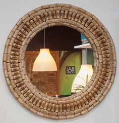 Mirror with wooden frame decorated with cork stoppers of wine. Only one unit has been made, decorative object and unique functional because there will be more like this. Total diameter diameter Mirror Check shipping price for destination outside Spain Wine Cork Art, Wine Bottle Art, Wine Bottle Crafts, Wine Corks, Wine Bottles, Wine Craft, Wine Cork Crafts, Wine Cork Projects, Cool Diy Projects