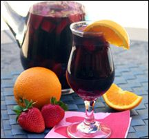 Party in a Pitcher Sangria from Hungry Girl~~ Used Merlot. Added frozen cherries & peaches instead of banana, c orange juice and Tbsp. Skinny Sangria, Red Sangria, Sangria Pitcher, Pitcher Drinks, Dessert Drinks, Fun Drinks, Beverages, Desserts, Hungry Girl Recipes