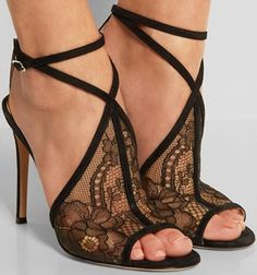 Wish I was lithe, graceful, had smaller feet and a stronger back and I would most definitely wear those!