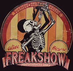 Carnival Freak Show: This Year's Hottest Halloween Party Theme . Creepy Circus, Halloween Circus, Creepy Carnival, Halloween Party Themes, Vintage Halloween, Creepy Halloween, Halloween 2019, Halloween Decorations, Carnival Signs