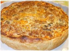 Receitas - Quiche de atum e delícias do mar - Petiscos.com Quiche Muffins, Good Food, Yummy Food, Quiche Lorraine, Portuguese Recipes, Food Inspiration, Macaroni And Cheese, Food And Drink, Cooking Recipes
