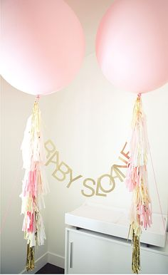 Welcome the sweet arrival of a new bundle of joy. Soft pinks and gold for this new addition. Photo thanks to the very talented photo...