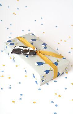 mini vintage camera gift tags
