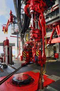 Photo about Hydraulic high pressure driven machinery. Image of elevator, torque, platform - 21396490 Water Well Drilling, Drilling Rig, Oil Field Jobs, Gas Work, Oil Rig Jobs, Oilfield Life, Oil Platform, Gas Company, Oil Refinery