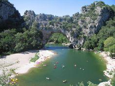 De Ardèche in Zuid-Frankrijk. Schitterend gebied om te kajakken, te wandelen of te fietsen. http://www.naturescanner.nl/europa/frankrijk/zuid-frankrijk/ardeche