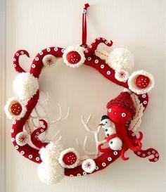 octopus wreath, such a cute and original design.