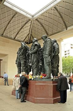 RAF Bomber Command Memorial, Green Park, nr Hyde Park Corner, commemorates aircrews of RAF Bomber Command who embarked on missions during WWII. The memorial was built to mark the sacrifice of 55,573 aircrew from Britain, Canada, Czechoslovakia, Poland and other countries of the Commonwealth of Nations. The memorial is classical in style, its roof is lined with aluminium from a Halifax bomber, behind a stainless steel lattice inspired by the geodesic fuselage construction of Wellington bombers.