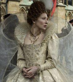 Cate Blanchett as Queen Elizabeth I, Elizabeth: The Golden Age Costume Designer Alexandra Byrne Cate Blanchett, Elizabethan Fashion, Elizabethan Era, Elizabethan Costume, Elizabeth The Golden Age, Queen Elizabeth, Film Elizabeth, Tudor Costumes, Period Costumes