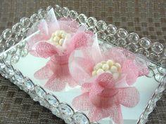 Forminhas para Doces Finos em Tela : Caixeta Flor : Rosa Claro / Rosa Bebê - Para decoração de mesa de doces em casamentos, formaturas, 15 anos, aniversários. http://vitrine.elo7.com.br/maisformosa