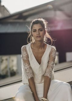 Boho wedding dresses Laure de Sagazan are wedding dresses from France. With French charm they turn every boho bride into a boho princess. Boho Wedding Dress, Bridal Dresses, Wedding Gowns, Low Key Wedding Dress, Wedding Blog, Lace Wedding, Bridal Outfits, Wedding Tips, Glamour Hollywoodien