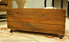 DIY Vintage Rolling Crate...great storage idea, from @Thrifty Decor Chick