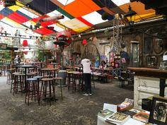 Ruin pub Szimpla Kert in the Jewish District Budapest Ruin Bar, Danube River Cruise, Vintage Polaroid Camera, Star Wars Figurines, Milk Shop, Pubs And Restaurants, Outdoor Food, Jewish Recipes, Beer Bar