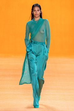 Sally LaPointe Spring 2020 Ready-to-Wear Fashion Show - Vogue Party Fashion, Fashion Week, Fashion 2020, Love Fashion, Runway Fashion, Green Fashion, Turquoise Fashion, Style Couture, Spring Summer