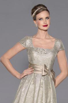 Vestido de madrina corto modelo 3433 by Teresa Ripoll   Boutique Clara