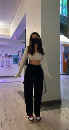Teen Fashion Outfits, Retro Outfits, Look Fashion, Girl Outfits, Swaggy Outfits, Baddie Outfits Casual, Cute Casual Outfits, Jugend Mode Outfits, Looks Pinterest