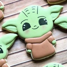 Star Wars Cookies, Star Wars Cake, Star Wars Party, Yoda Cake, Cookie Monster Party, Rainbow Food, Cookies For Kids, Cupcake Cookies, Cupcakes