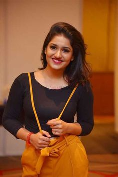 Saniya Iyappan Photos [HD]: Latest Images, Pictures, Stills of Saniya Iyappan - FilmiBeat Recent Movies, Indian Heritage, Latest Images, India Beauty, Deepika Padukone, Beautiful Celebrities, Photo Galleries, Actresses, Photo And Video