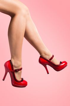 Pinup Couture - Secretary Mary Jane Velvet Bow Lipstick Red platform pump
