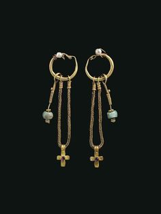 A PAIR OF BYZANTINE GOLD, PEAR