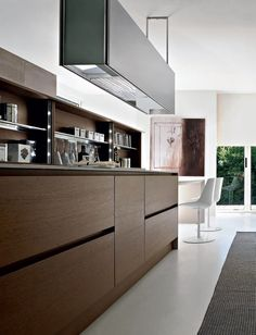 Wooden #kitchen with island Integra Collection by Pedini  (via Gau Paris)