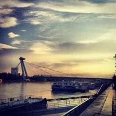 A beautiful river scene in #Bratislava (by vimcem)