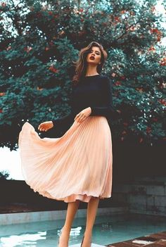 Style Know Hows: Blush pleated skirt