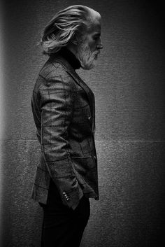 Aiden Shaw - When your life is a Shaw - by Enrico Labriola Long Gray Hair, Men With Grey Hair, Aiden Shaw, Drawing The Human Head, Older Mens Hairstyles, Older Mens Fashion, Classy Suits, Mens Jogger Pants, Beard Model