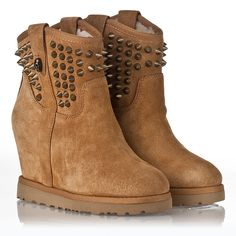 Yahoo  Wedge Spike Boot Light Camel Suede 312206