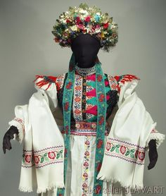 slovak-folk-costumes: Bridal kroj from village. - It Was A Work of Craft Historical Costume, Historical Clothing, Folk Clothing, Historical Dress, European Wedding Dresses, Embroidered Apron, Bridal Headdress, Costumes Around The World, Bohemian Blouses