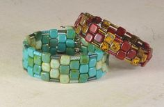 How to make Memory wire cuffs with 2-hole beads. #Beading #Jewelry #Tutorials
