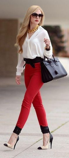 I love red pants! Daily New Fashion : Red High Rise Skinnies by Oh My Vogue Look Fashion, New Fashion, Fashion Models, High Fashion, Fashion Outfits, Womens Fashion, Fashion Trends, Street Fashion, Club Fashion