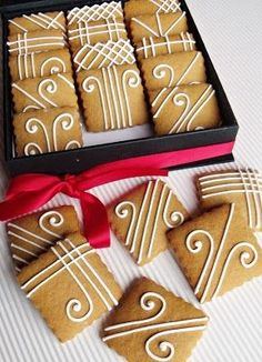 32 Creative Desserts Ideas–Christmas Day's Recipes - Cupcakee Ideen Christmas Biscuits, Christmas Sugar Cookies, Christmas Sweets, Christmas Baking, Gingerbread Cookies, Cookie Icing, Cupcake Cookies, Kreative Desserts, Cookie Designs