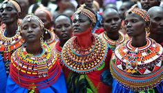 Colors reflect important concepts and elements in Maasai culture. Each color symbolizes a meaning such as: red: bravery and strength, blue: sky, green: the land and health and orange: hospitality.