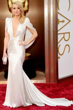 Kate Hudson in fabulous classic chic pointy cape top pale silver Atelier Versace gown.Best Dressed at the86th Academy Awards2014theOscars. #Oscar2014 #Oscars2014 #AcademyAwards2014
