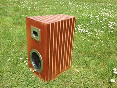 Striped Wooden Speakers #HiFi #CNC #woodworking