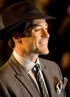 RDJ and his megawatt smile. Robert Downey Jr, Sherlock Holmes Robert Downey, I Robert, Downey Junior, Wattpad, Attractive Men, Tony Stark, Best Actor, Perfect Man