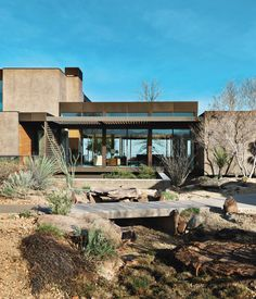 Sage Design Studios transformed the developer-flattened landscape into a picturesque desert setting with naturalistic undulations