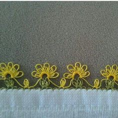 This Pin was discovered by Şöh Needle Tatting, Tatting Lace, Needle Lace, Needlepoint Patterns, Lace Patterns, Crochet Patterns, Crochet Unique, Crochet Lace, Crochet Borders